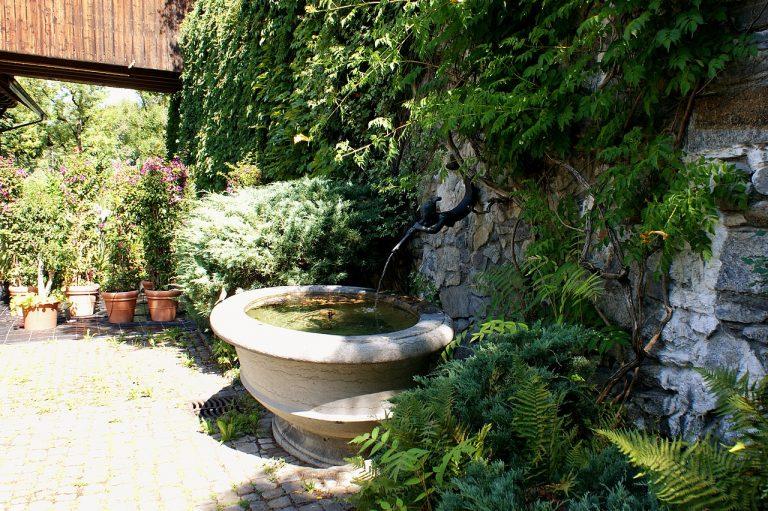 Brunnen Orangerie Elfenau Wasserspeiende Nixe